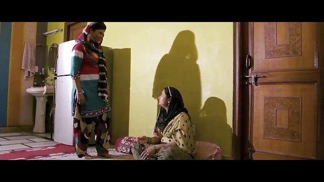 બે કોક્સ હિન્દી વીડીયો સેકસી મોં માં એક છોકરી