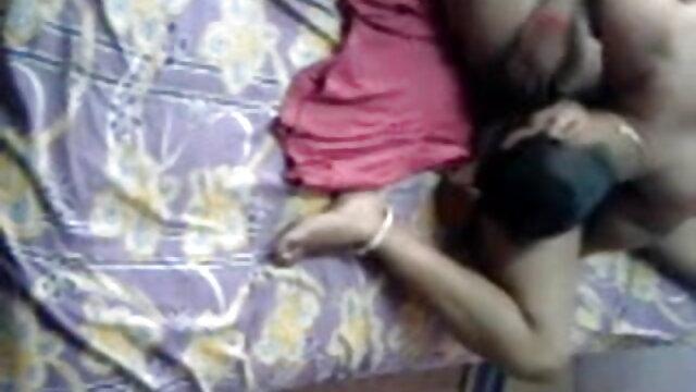 વિડિઓ બંધન સનીલીયોન ના સેકસી બીપી વીડીયો એક છોકરી બાંધી બેડ